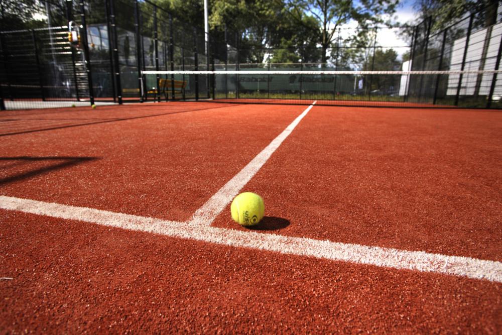 red-padel-court-3-e1490119862317.jpg